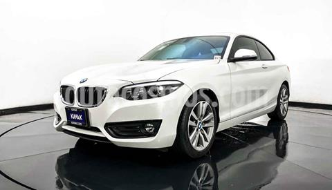 BMW Serie 2 220iA Executive Aut usado (2019) color Blanco precio $464,999
