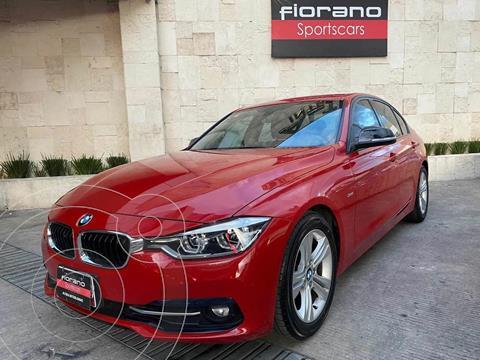 BMW Serie 3 320i Sport Line  usado (2017) color Rojo Melbourne precio $355,000