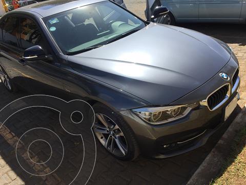 BMW Serie 3 320iA Sport Line usado (2018) color Gris Mineral precio $442,000