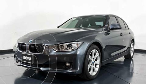 BMW Serie 3 320i Sport Line  usado (2013) color Gris precio $267,999