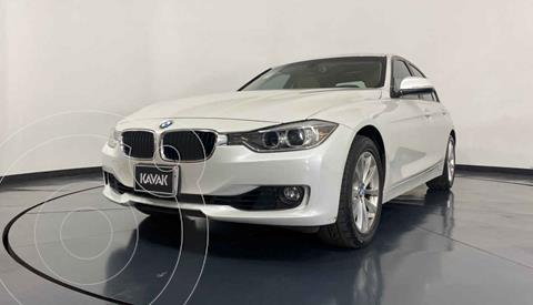 BMW Serie 3 320i Sport Line  usado (2013) color Blanco precio $287,999