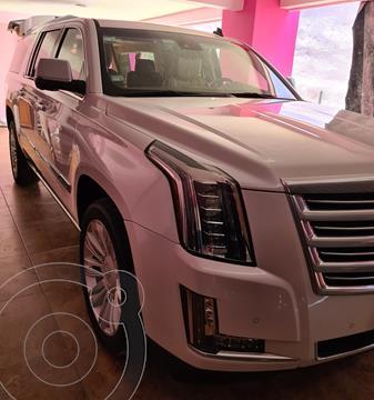 Cadillac Escalade ESV Platinum usado (2016) color Blanco Diamante precio $820,000