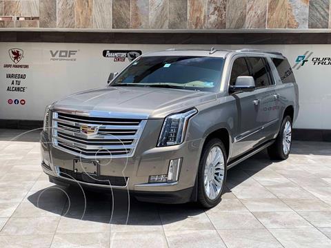 Cadillac Escalade ESV Platinum usado (2019) color Aqua precio $1,225,000