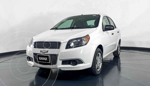 Chevrolet Aveo LS Aa Radio y Bolsas de Aire Aut (Nuevo) usado (2015) color Blanco precio $117,999