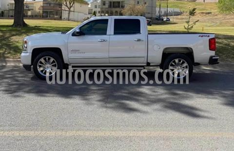 foto Chevrolet Cheyenne 2500 4x4 Doble Cab High Country usado (2016) color Blanco precio $570,000
