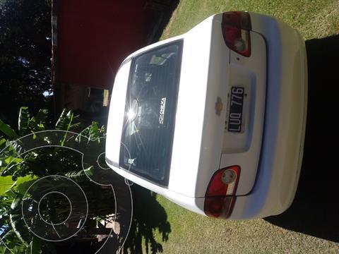 Chevrolet Classic 4P LT Spirit  usado (2012) color Blanco precio $450.000