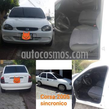 Chevrolet Corsa 4 Puertas Sinc. A-A usado (2005) color Blanco precio u$s1.650