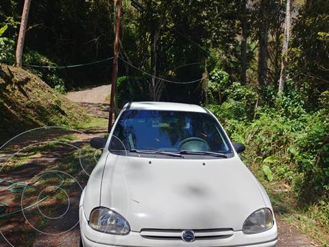 Chevrolet Corsa 4 Puertas Auto. A-A usado (1999) color Blanco precio u$s2.200