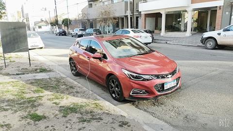 Chevrolet Cruze 5 LTZ Aut usado (2017) color Rojo precio $2.150.000