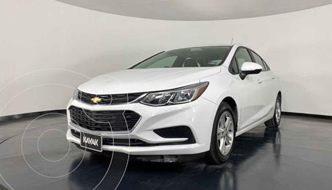 Chevrolet Cruze LS usado (2017) color Blanco precio $207,999