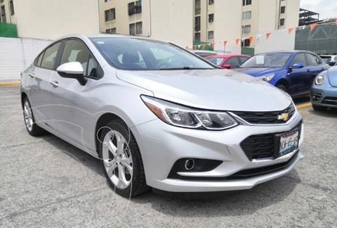Chevrolet Cruze LT usado (2018) color Plata Brillante financiado en mensualidades(enganche $72,199 mensualidades desde $5,846)