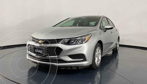 Chevrolet Cruze LS usado (2017) color Plata precio $209,999
