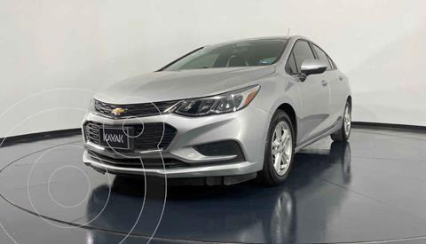 Chevrolet Cruze LS  usado (2018) color Plata precio $244,999