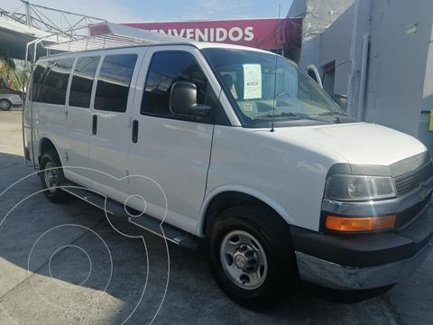 Chevrolet Express LS L 12 Pas usado (2017) color Blanco precio $369,000