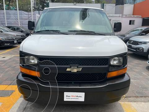 Chevrolet Express VAN PASSENGER LS D 3P V8 6.0L AT 12 OCUP usado (2017) color Blanco precio $329,000