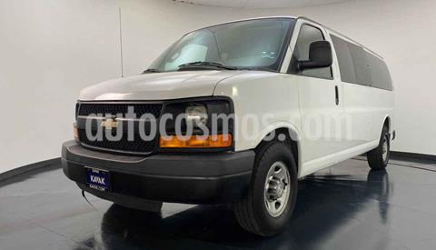 Chevrolet Express Passenger Van LS 15 pas 5.3L usado (2015) color Blanco precio $389,999