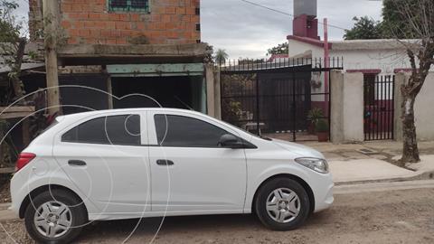 foto Chevrolet Onix Joy LS + usado (2017) color Blanco precio $1.350.000