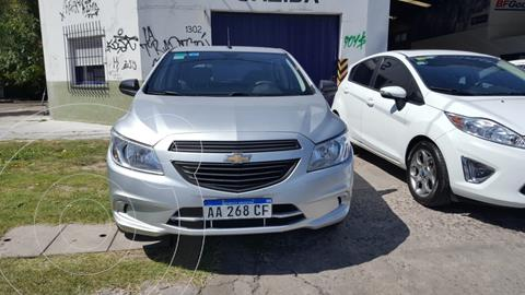 Chevrolet Onix LT usado (2016) color Gris Sky financiado en cuotas(anticipo $550.000)