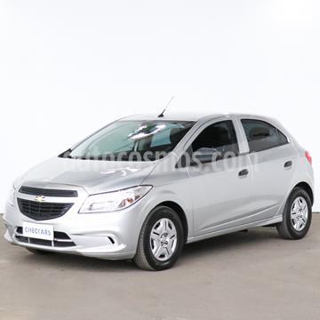 foto Chevrolet Onix LT usado (2018) color Plata precio $924.000
