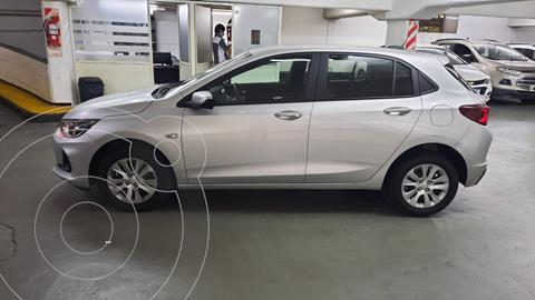 Chevrolet Onix 1.2 LT Pack Tech OnStar usado (2020) color Plata Switchblade precio $1.829.000