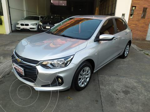 Chevrolet Onix 1.2 LT Pack Tech OnStar usado (2020) color Plata Switchblade precio $1.690.000