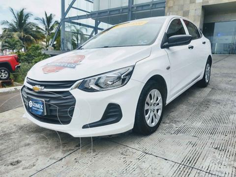 Chevrolet Onix LS usado (2021) color Blanco precio $250,000