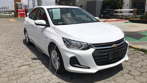 Chevrolet Onix LT Aut usado (2021) color Blanco precio $300,000