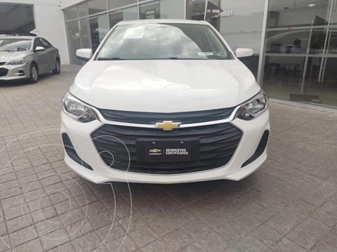 Chevrolet Onix LT usado (2021) color Blanco precio $302,000