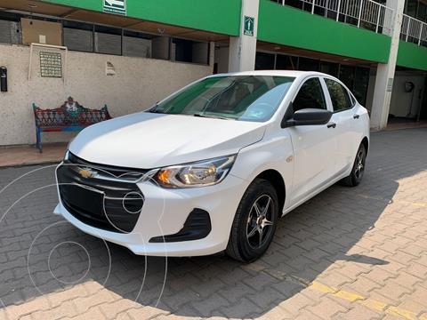 Chevrolet Onix LS Aut usado (2021) color Blanco precio $234,900