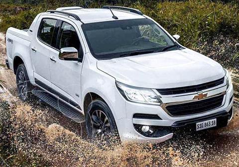Chevrolet S 10 High Country 2.8 4x2 CD nuevo color Blanco financiado en cuotas(anticipo $90.000 cuotas desde $28.315)