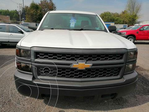 Chevrolet Silverado 1500 Version usado (2015) color Blanco precio $250,000