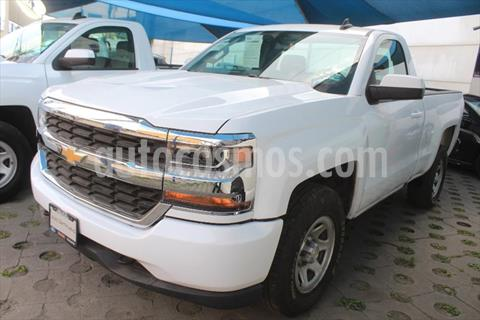 Chevrolet Silverado 1500 LS Cab Reg  usado (2017) color Blanco precio $355,000