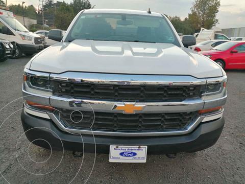 Chevrolet Silverado 3500 Version usado (2017) color Blanco precio $349,000