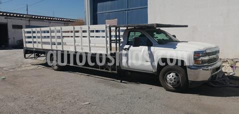 Chevrolet Silverado 3500 Chasis Cabina WT usado (2016) color Blanco precio $400,000
