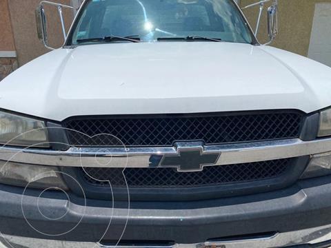 Chevrolet Silverado 3500 Chasis cabina usado (2007) color Blanco precio $150,000