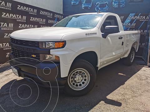 Chevrolet Silverado Cabina Regular 4X4 usado (2021) color Blanco precio $615,000