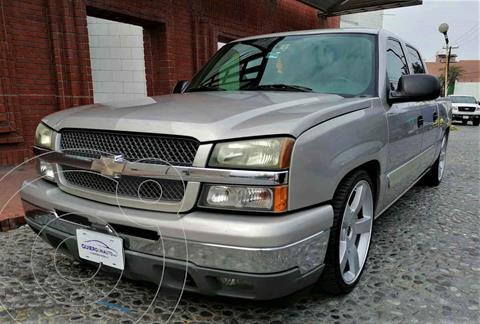 Chevrolet Silverado 4x2 Doble Cabina LS usado (2005) color Plata precio $280,000
