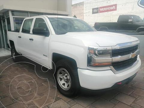 Chevrolet Silverado 4x2 Doble Cabina LS On Star usado (2018) color Blanco precio $434,900