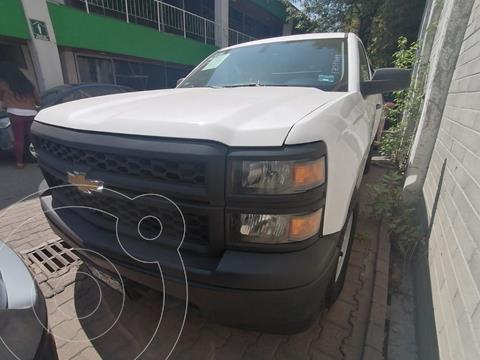 Chevrolet Silverado Cabina Regular 4X2 usado (2015) color Blanco precio $230,000