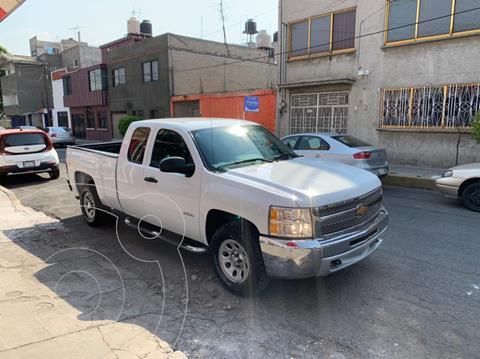 Chevrolet Silverado 4x2 Cab Ext LS usado (2013) color Blanco precio $275,000