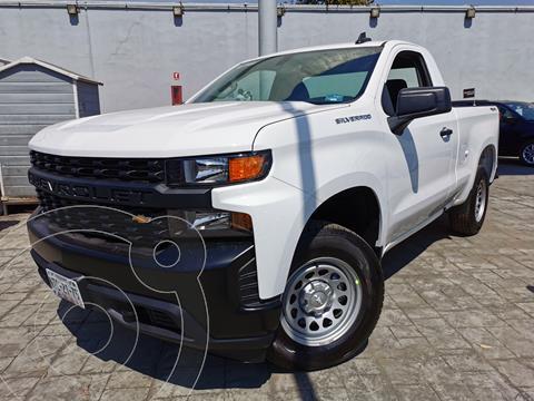 Chevrolet Silverado 4x4 Cab Reg LS usado (2021) color Blanco Olimpico precio $615,000