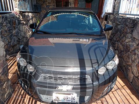 Chevrolet Sonic LT usado (2015) color Gris Oxford precio $102,000