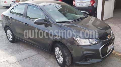 Chevrolet Sonic Paq D usado (2017) color Gris Urbano precio $165,000