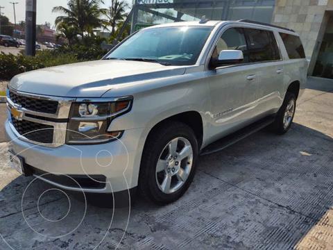Chevrolet Suburban LT Piel Cubo usado (2018) color Plata precio $685,000