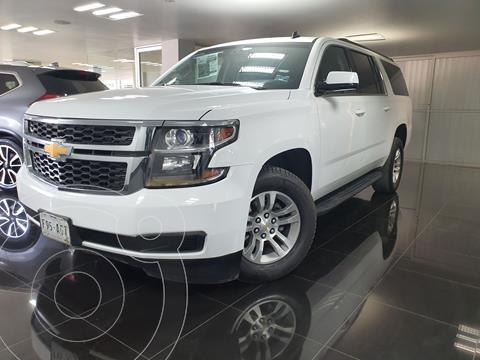 Chevrolet Suburban LS Tela usado (2016) color Blanco precio $490,000