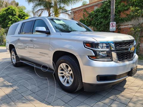 Chevrolet Suburban LS Tela usado (2017) color Plata Dorado precio $620,000
