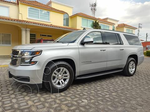 Chevrolet Suburban LT Piel Banca usado (2016) color Plata precio $750,000