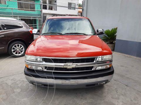 Chevrolet Suburban LT Piel usado (2001) color Rojo precio $110,000