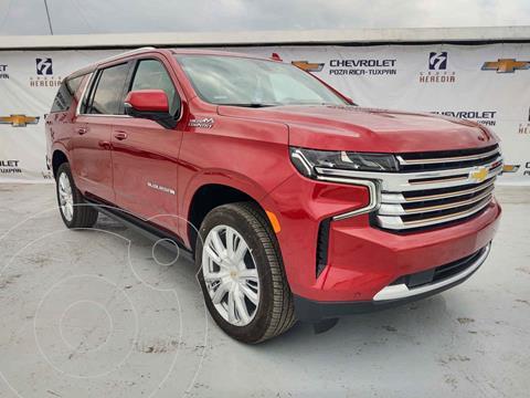 Chevrolet Suburban High Country nuevo color Rojo precio $1,713,900