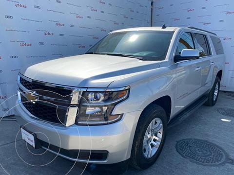 Chevrolet Suburban LT Piel Banca usado (2016) color Plata Dorado precio $599,000